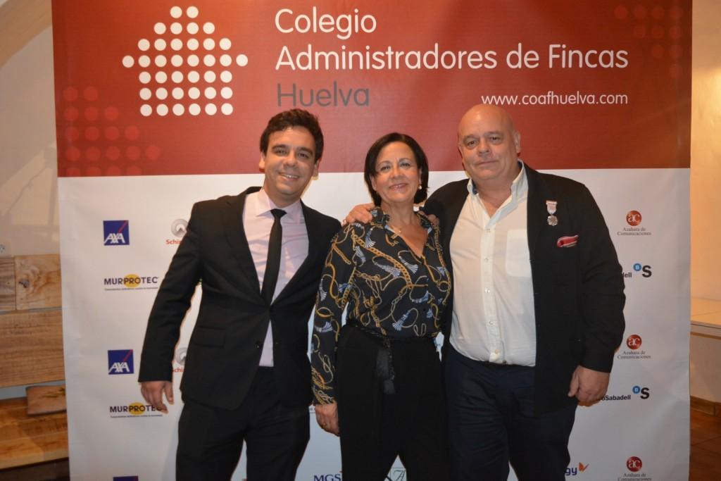Julio Carrillo, su esposa Mª Carmen y su hijo