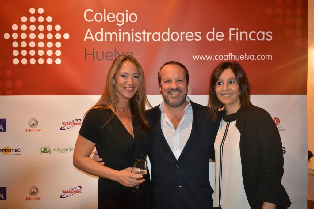 Rocío Ortega, y Carlos Rey Cazenave y Cinta Fernández, de Reylega