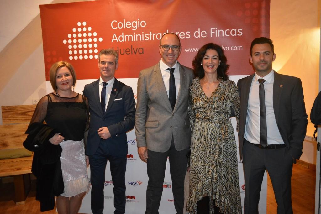 Colegiados de Granada Tirso Carretero e Inma Hidalgo, junto a José A. Oria